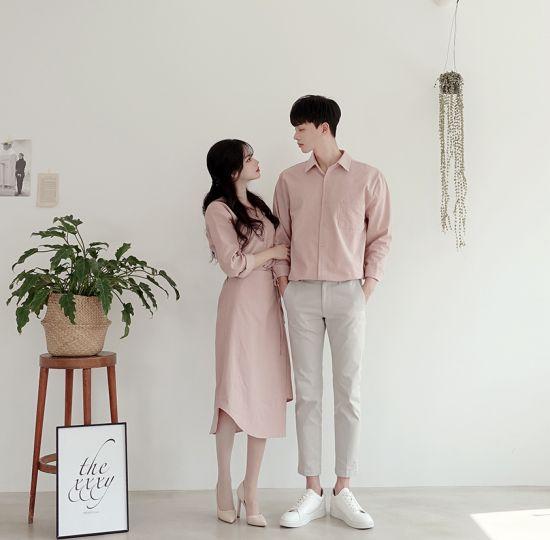 เสื้อคู่สีชมพูคุมโทน