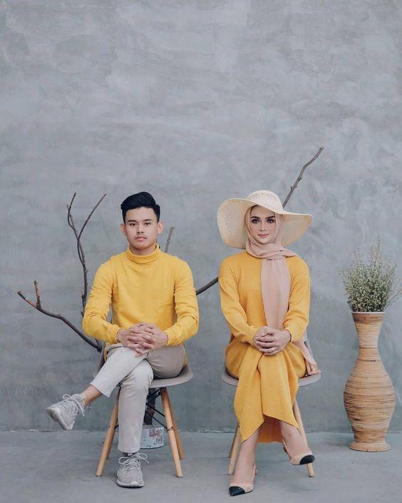 เสื้อคู่สีเหลืองคุมโทน