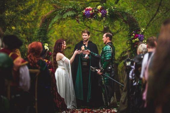 ชุดแฟนซี แต่งงาน